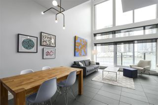 "Photo 3: 805 33 W PENDER Street in Vancouver: Downtown VW Condo for sale in ""33 Living"" (Vancouver West)  : MLS®# R2431559"