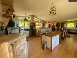 Photo 4: 144 Douglas Rd in Salt Spring: GI Salt Spring House for sale (Gulf Islands)  : MLS®# 843250
