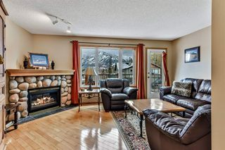 Photo 2: 913 Wilson Way: Canmore Detached for sale : MLS®# A1060157