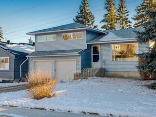 Main Photo: 407 49 Avenue SW in Calgary: Elboya Detached for sale : MLS®# A1060455
