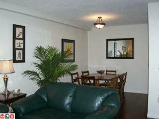 Photo 3: 109 1555 FIR Street: White Rock Condo for sale (South Surrey White Rock)  : MLS®# F1106750