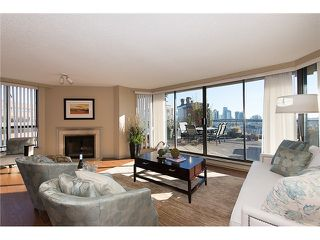"Photo 6: 911 1450 PENNYFARTHING Drive in Vancouver: False Creek Condo for sale in ""HARBOUR COVE"" (Vancouver West)  : MLS®# V1045664"