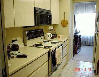 Photo 4: 402 2101 MCMULLEN AV in Vancouver West: Home for sale : MLS®# V607813