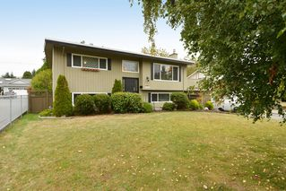 """Photo 3: 13151 15A Avenue in Surrey: Crescent Bch Ocean Pk. House for sale in """"Ocean Park"""" (South Surrey White Rock)  : MLS®# F1423059"""