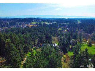 Photo 5: 370 Hector Rd in VICTORIA: SW Prospect Lake House for sale (Saanich West)  : MLS®# 694961