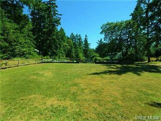 Photo 6: 370 Hector Road in VICTORIA: SW Prospect Lake Single Family Detached for sale (Saanich West)  : MLS®# 347963