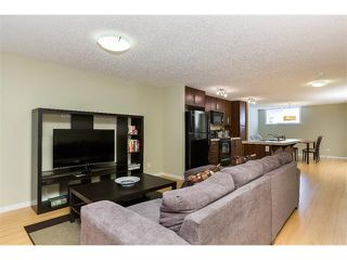 Photo 8: 115 McKenzie Towne Close E in Calgary: McKenzie Towne House for sale : MLS®# C4010193