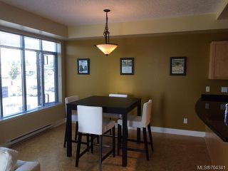 Photo 3: 233 2300 MANSFIELD DRIVE in COURTENAY: CV Courtenay City Condo for sale (Comox Valley)  : MLS®# 704341