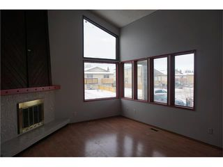 Photo 2: 304 FONDA Way SE in Calgary: Forest Heights House for sale : MLS®# C4043612