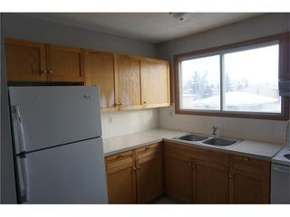 Photo 10: 304 FONDA Way SE in Calgary: Forest Heights House for sale : MLS®# C4043612