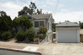 Photo 1: HILLCREST House for sale : 4 bedrooms : 1409 Brookes Ave in San Diego