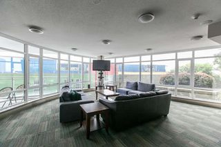 "Photo 4: 1605 892 CARNARVON Street in New Westminster: Downtown NW Condo for sale in ""Azure II - Plaza 88"" : MLS®# R2077064"