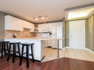 """Photo 9: 330 2099 LOUGHEED Highway in Port Coquitlam: Glenwood PQ Condo for sale in """"Shaughnessy Square"""" : MLS®# R2086396"""