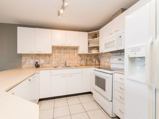"""Photo 11: 330 2099 LOUGHEED Highway in Port Coquitlam: Glenwood PQ Condo for sale in """"Shaughnessy Square"""" : MLS®# R2086396"""