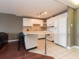 """Photo 10: 330 2099 LOUGHEED Highway in Port Coquitlam: Glenwood PQ Condo for sale in """"Shaughnessy Square"""" : MLS®# R2086396"""