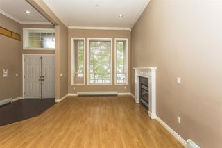 Photo 2: 12458 74 Avenue in Surrey: West Newton House for sale : MLS®# R2090481