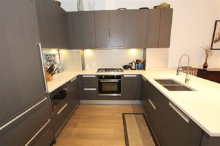 """Photo 3: 256 W 1ST Avenue in Vancouver: False Creek Townhouse for sale in """"THE JAMES"""" (Vancouver West)  : MLS®# R2132636"""