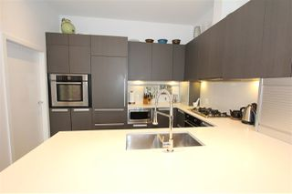 """Photo 4: 256 W 1ST Avenue in Vancouver: False Creek Townhouse for sale in """"THE JAMES"""" (Vancouver West)  : MLS®# R2132636"""