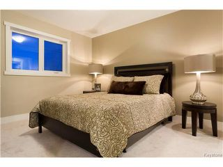 Photo 9: 516 Ferry Road in Winnipeg: St James Residential for sale (5E)  : MLS®# 1706723