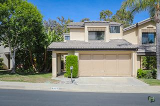 Photo 2: SAN DIEGO Townhome for sale : 3 bedrooms : 6376 Caminito Del Pastel
