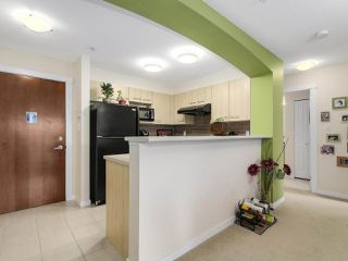 "Photo 5: 5311 5111 GARDEN CITY Road in Richmond: Brighouse Condo for sale in ""LIONS PARK"" : MLS®# R2167020"