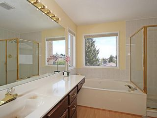 Photo 27: 114 SIGNATURE Close SW in Calgary: Signal Hill House for sale
