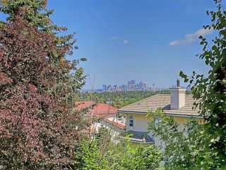 Photo 16: 114 SIGNATURE Close SW in Calgary: Signal Hill House for sale