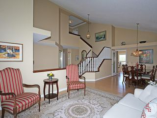 Photo 5: 114 SIGNATURE Close SW in Calgary: Signal Hill House for sale