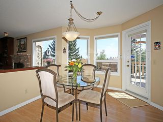 Photo 12: 114 SIGNATURE Close SW in Calgary: Signal Hill House for sale