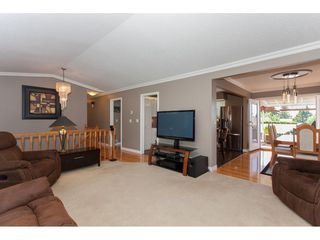 "Photo 4: 3747 SANDY HILL Crescent in Abbotsford: Abbotsford East House for sale in ""Sandy Hill"" : MLS®# R2174274"