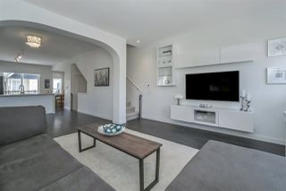 """Photo 2: 1 8438 207A Street in Langley: Willoughby Heights Townhouse for sale in """"YORK By Mosaic"""" : MLS®# R2187167"""
