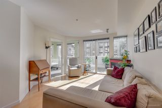 "Photo 5: 211 122 E 3RD Street in North Vancouver: Lower Lonsdale Condo for sale in ""SAUSALITO"" : MLS®# R2201590"