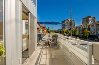 "Photo 16: 211 122 E 3RD Street in North Vancouver: Lower Lonsdale Condo for sale in ""SAUSALITO"" : MLS®# R2201590"