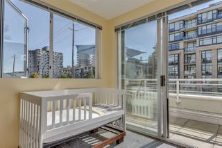 "Photo 13: 211 122 E 3RD Street in North Vancouver: Lower Lonsdale Condo for sale in ""SAUSALITO"" : MLS®# R2201590"