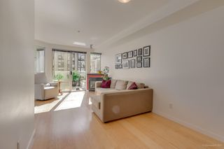 "Photo 4: 211 122 E 3RD Street in North Vancouver: Lower Lonsdale Condo for sale in ""SAUSALITO"" : MLS®# R2201590"