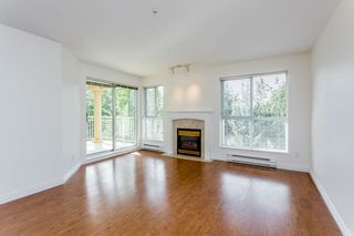 "Photo 7: 405 13727 74 Avenue in Surrey: East Newton Condo for sale in ""Kings Court"" : MLS®# R2201896"