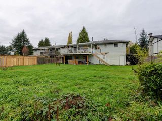 Photo 18: 3944 HAMILTON Street in Port Coquitlam: Lincoln Park PQ House for sale : MLS®# R2222336