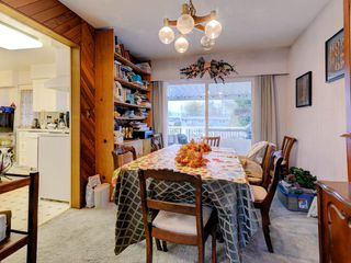 Photo 4: 3944 HAMILTON Street in Port Coquitlam: Lincoln Park PQ House for sale : MLS®# R2222336