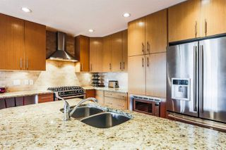 Photo 2: 206 16483 64 Avenue in Surrey: Cloverdale BC Condo for sale (Cloverdale)  : MLS®# R2229657