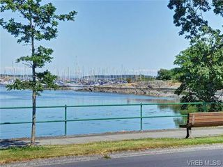 Photo 13: 203 1476 Beach Drive in VICTORIA: OB South Oak Bay Residential for sale (Oak Bay)  : MLS®# 361099