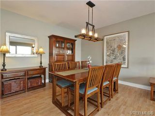 Photo 12: 203 1476 Beach Drive in VICTORIA: OB South Oak Bay Residential for sale (Oak Bay)  : MLS®# 361099