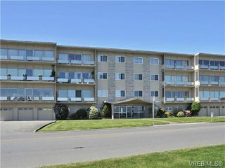 Photo 5: 203 1476 Beach Drive in VICTORIA: OB South Oak Bay Residential for sale (Oak Bay)  : MLS®# 361099