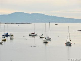 Photo 16: 203 1476 Beach Drive in VICTORIA: OB South Oak Bay Residential for sale (Oak Bay)  : MLS®# 361099