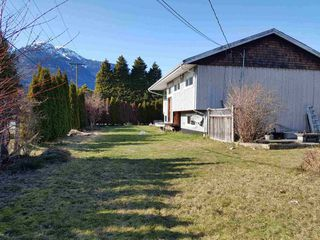 "Photo 11: 40380 GARIBALDI Way in Squamish: Garibaldi Estates House for sale in ""Garibaldi Way"" : MLS®# R2249093"