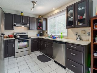 Photo 5: 32 Berkshire Close NW in : Beddington Heights House for sale (Calgary)  : MLS®# C4120444