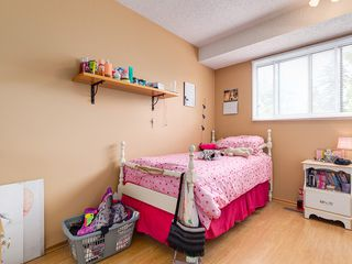 Photo 7: 32 Berkshire Close NW in : Beddington Heights House for sale (Calgary)  : MLS®# C4120444