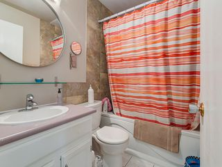 Photo 10: 32 Berkshire Close NW in : Beddington Heights House for sale (Calgary)  : MLS®# C4120444