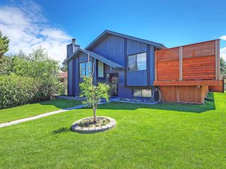 Photo 38: 20 BERMUDA Road NW in Calgary: Beddington Heights House for sale : MLS®# C4190847