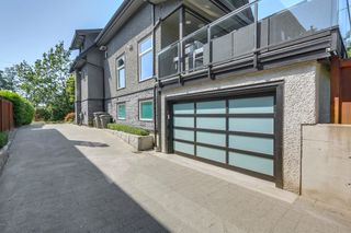 Photo 3: 4942 PINE Crescent in Vancouver: Quilchena House for sale (Vancouver West)  : MLS®# R2301522
