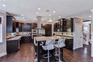 Photo 10: 1010 Graphite Place in VICTORIA: La Bear Mountain Single Family Detached for sale (Langford)  : MLS®# 400590